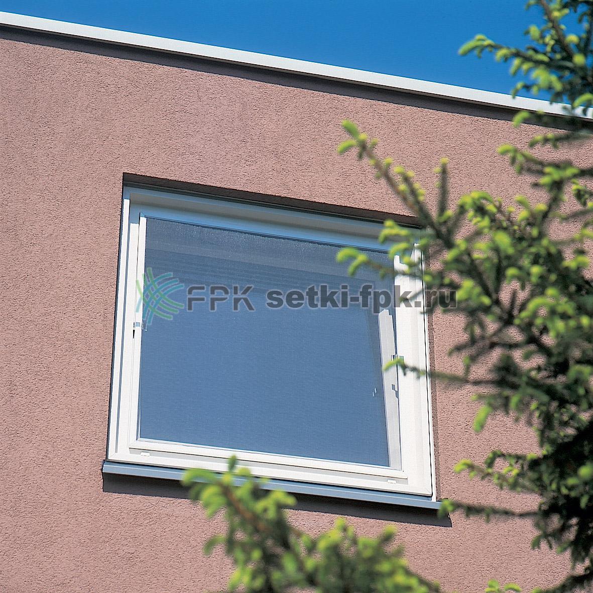 Антимоскитная сетка на окне