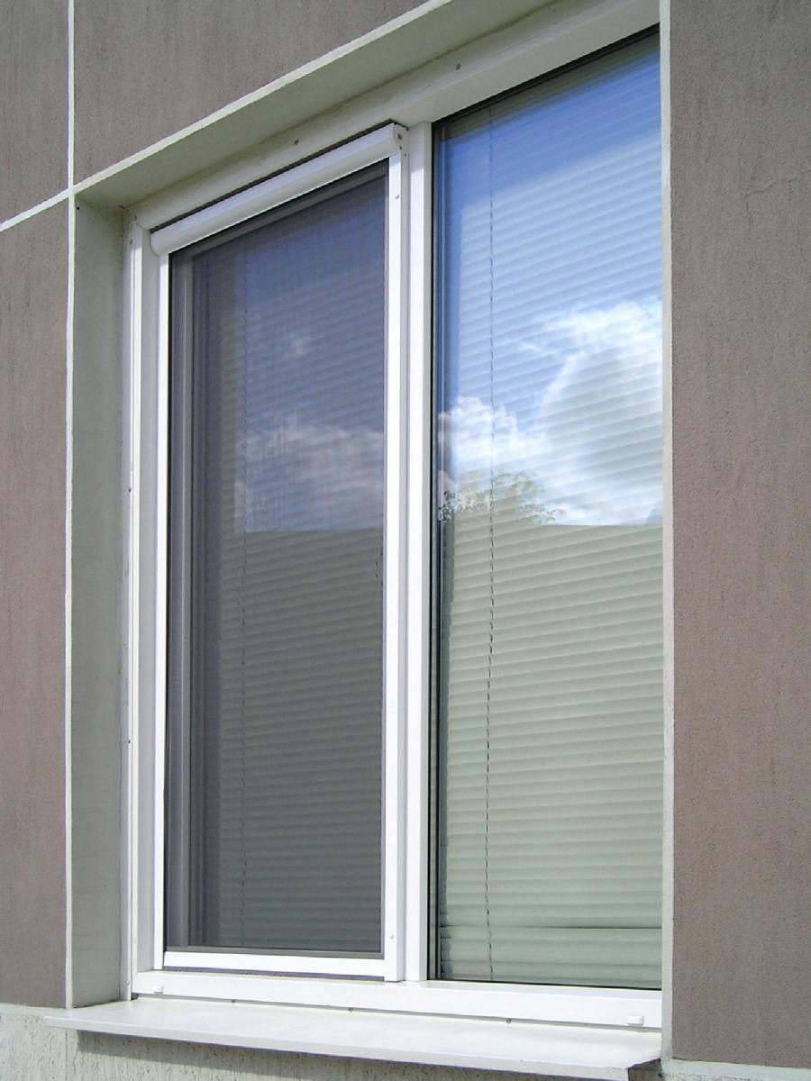 Противомоскитные сетки на окна