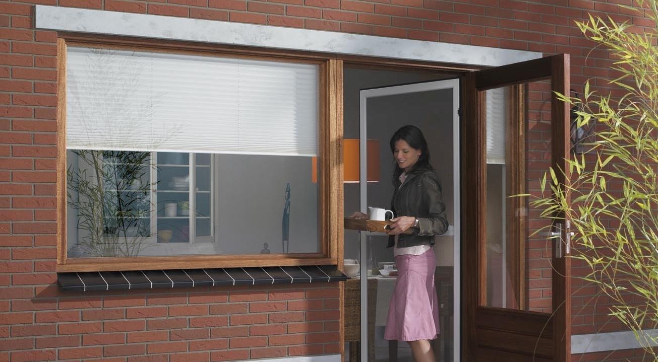 Москитные сетки на пластиковые двери: металлопластиковые, ба.