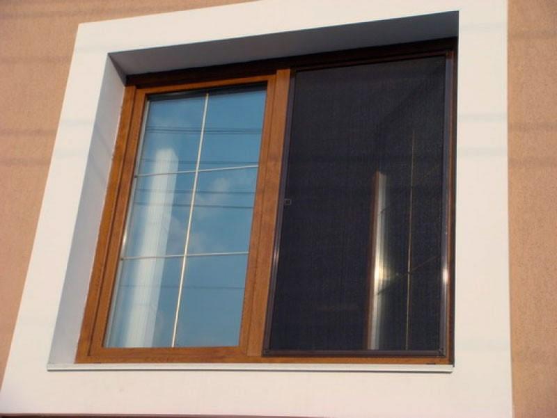 Картинки по запросу москитная сетка на деревянные окна